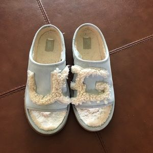 Ugg Slippers In powdery Blue - Size 9